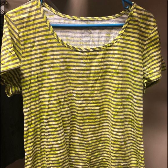 Izod Tops - Izod large gray and yellowish/green stripe ss top
